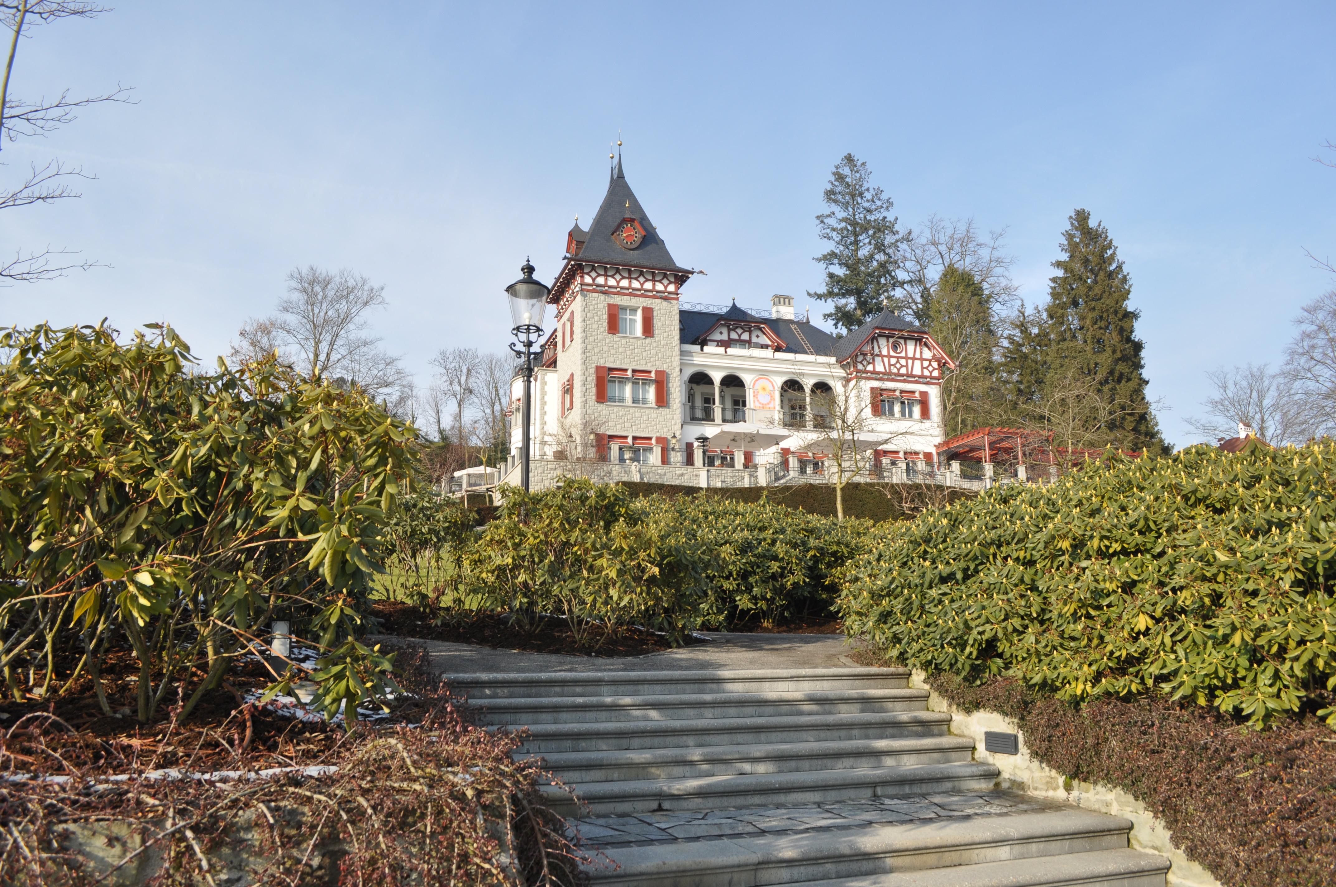 Villa en gastenhuis Zwitserland